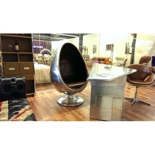 Кресло Egg Aviator серебро коричневая кожа TheOUTLET.24