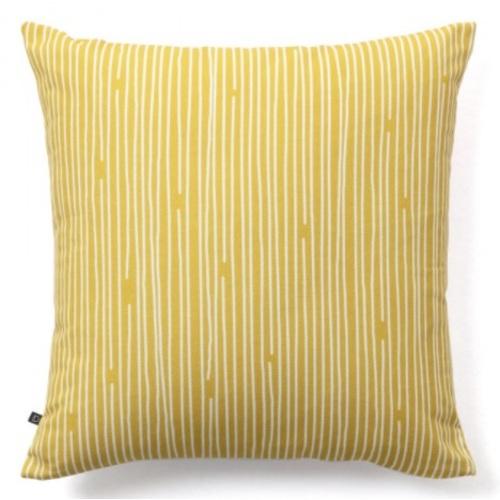 Подушка Fabiela AA5480J31 желтый Laforma