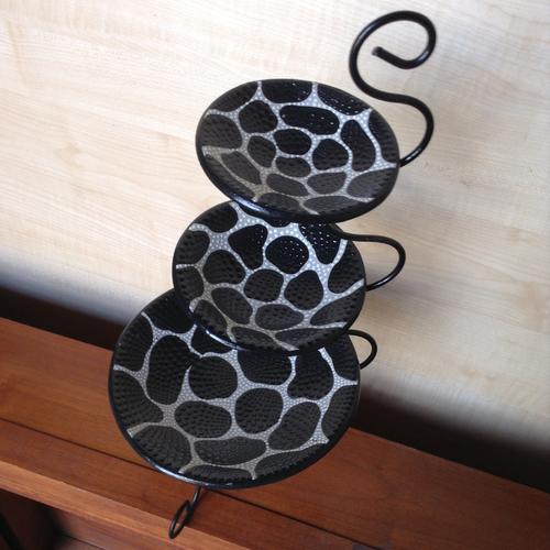 Конфетница (3 тарелки), 45 см чёрная Etnoxata 51008