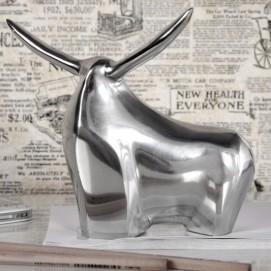 Статуэтка Big Bull Alu (Z8535) серебро Invicta