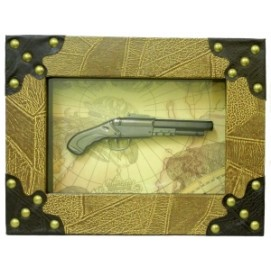Картины с сувенирным оружием: двуствольный пистолет (фа-ко-05)
