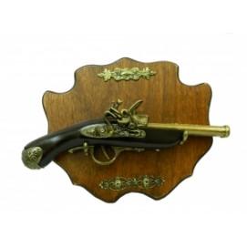 Оружие сувенирное: пистоль, двустволка, ручка в железной окантовке, подвесная (ос-63)